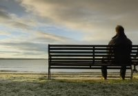 Yalnız erkekler ve kadınlar